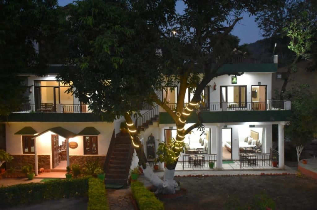 Corbett Paradiso Resort Dhikuli
