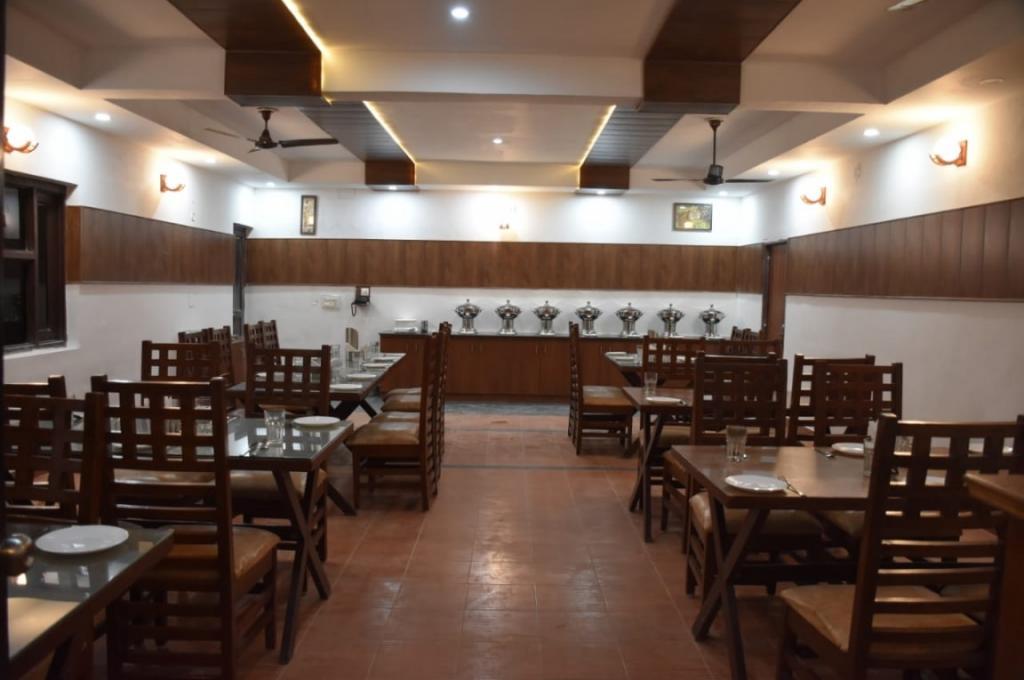 Corbett Paradiso Resort Restaurant
